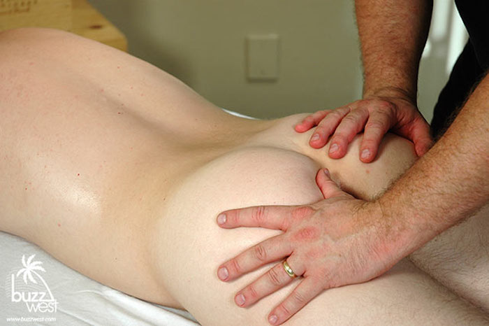 Dirty Straight Guy Gets A Massage