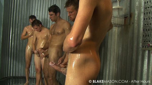 straight guys wanking in the showers