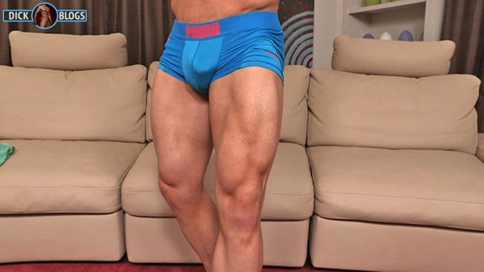 bodybuilder thighs