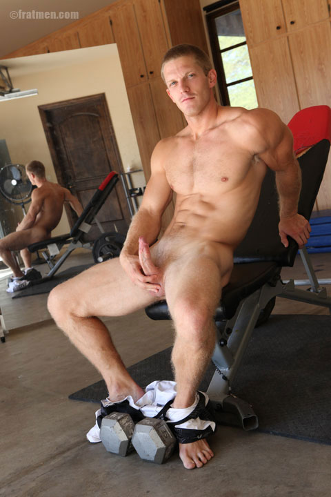 Buff Jock Jizzy Jacks Off For The Guys