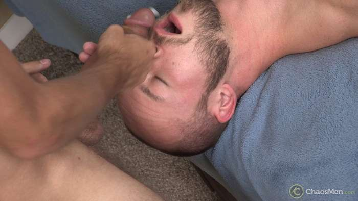 Guy Cums In His Mouth 93