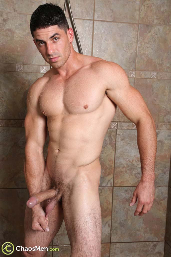 hung-and-uncut-straight-man-claudio-at-chaosmen