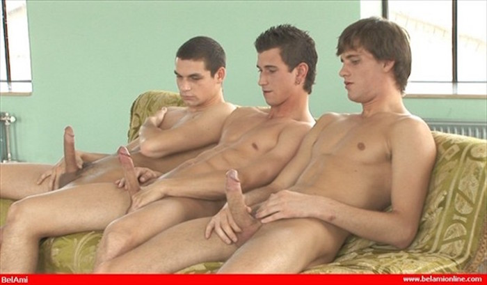 Schoolboys wank each other until they cum