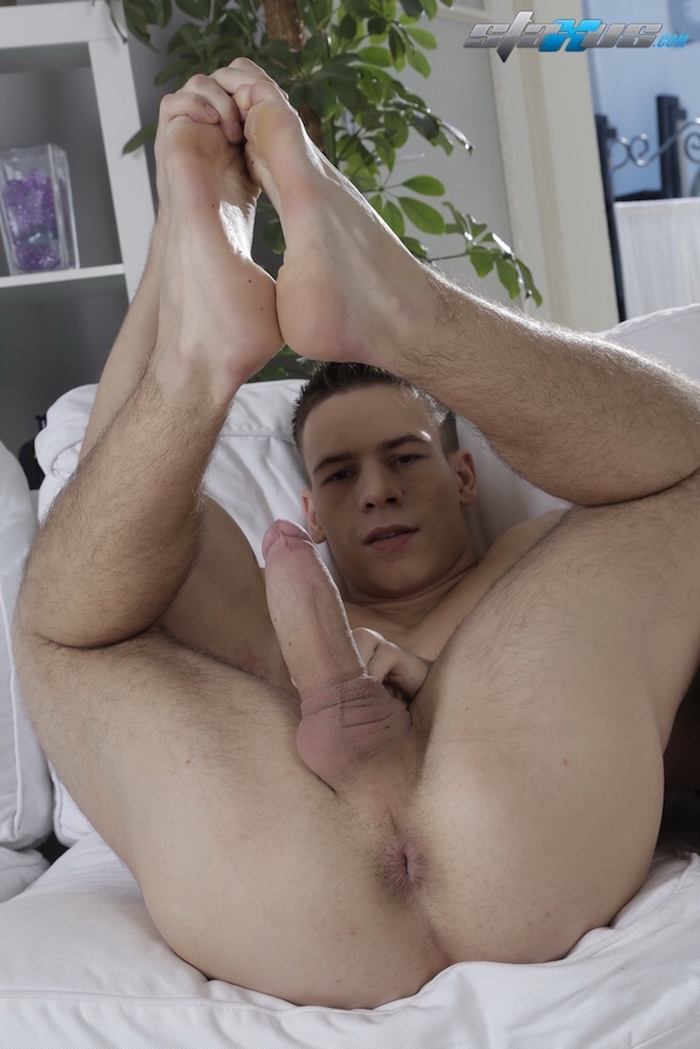 dick-casey-coming-back-gay-porn 3