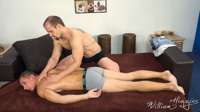 Straight guys massaging in gay porn