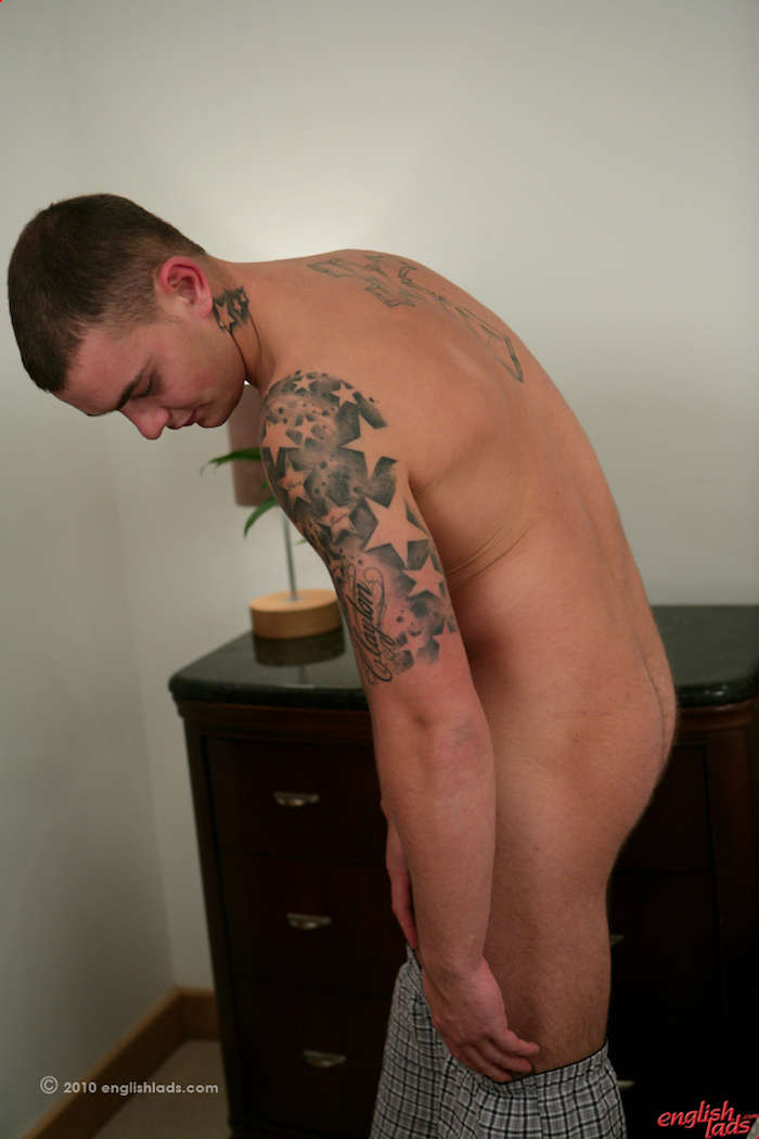 hung-straight-guy-dildo-play-andy-lee-tries-something-new 13