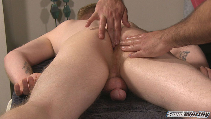 straight-guy-palmer-gets-wanked-guy-first-time 4