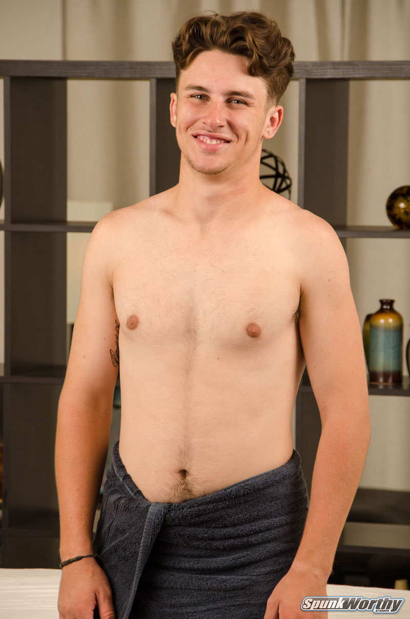 Sexy straight guy Laird at Spunk Worthy