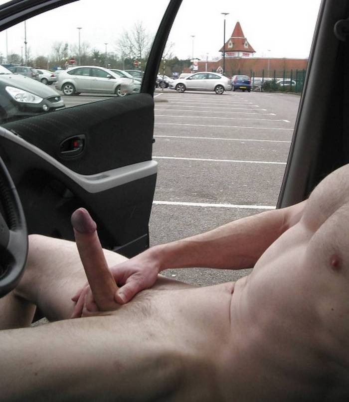 naked flashing guy wanking uncut cock in his car