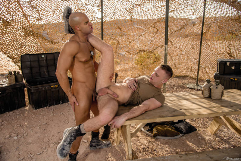 gay military porn with Sean Zevran fucking Brandon Evans