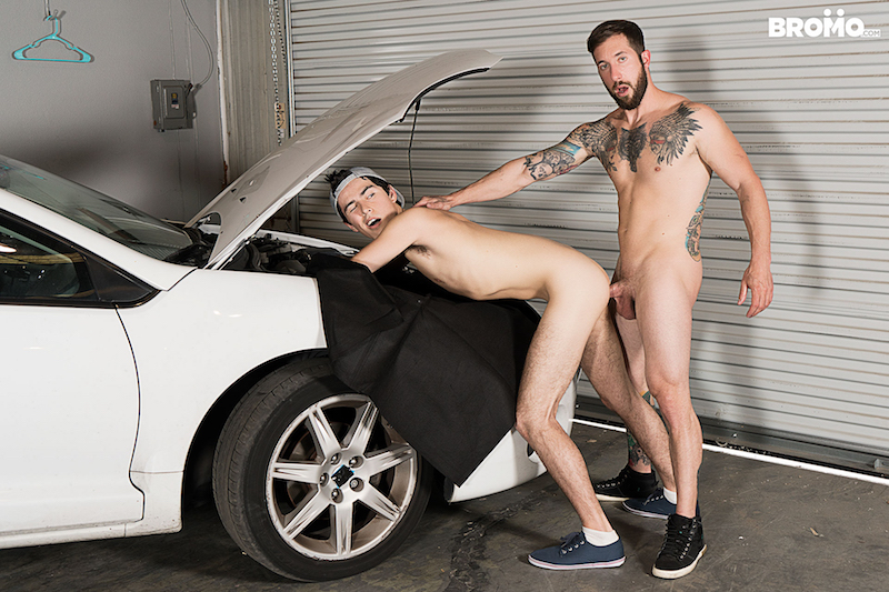 mechanic fucking a twink over a car