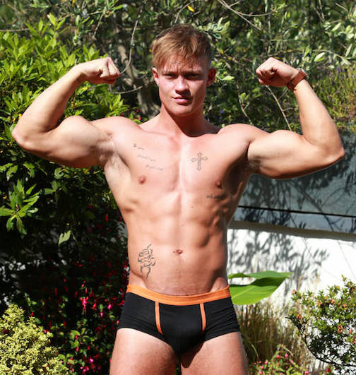 Uncut straight jock Albie Wicks at Englishlads