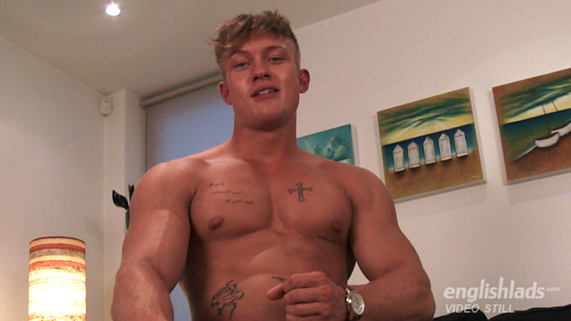 straight muscle guy wanking his hard uncut cock