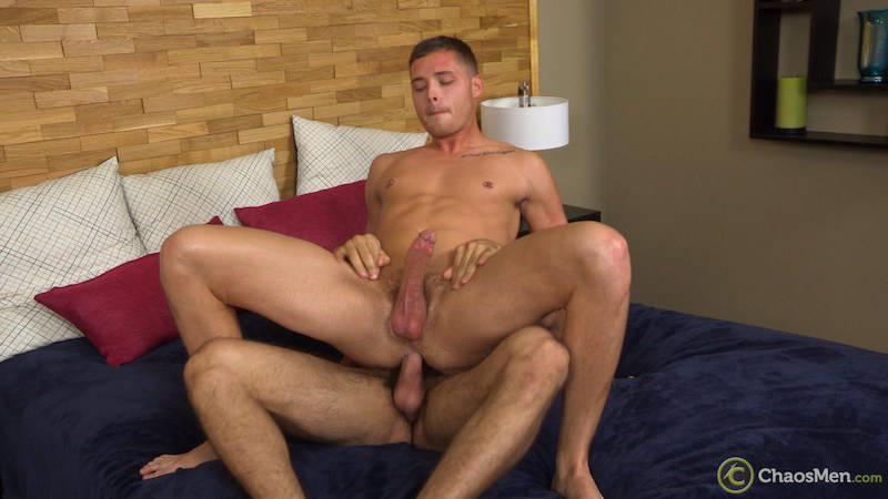 bi guy fucked bareback by a straight man