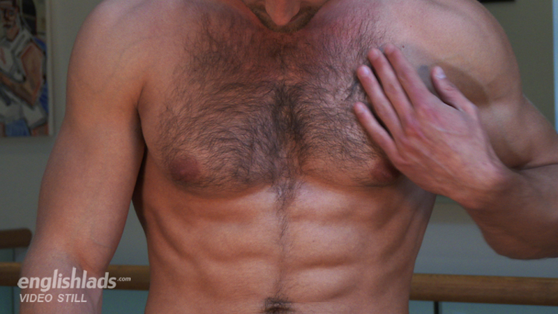straight hairy hunk jerking off on video