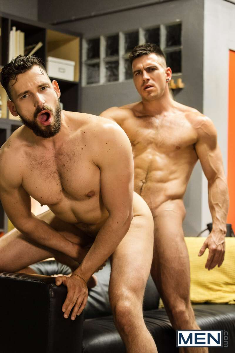Muscled man getting fucked from behind by Paddy O'Brian