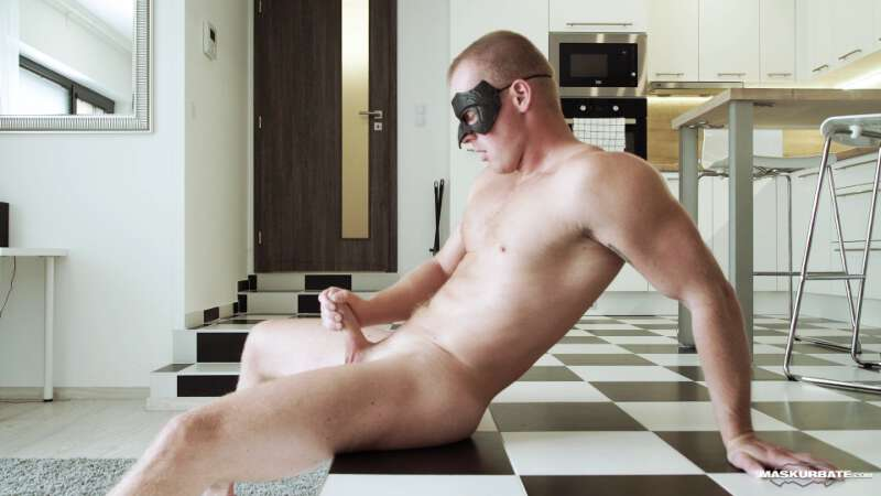 naked masked muscle jock jerking off at Maskurbate